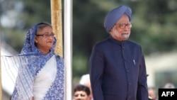 Thủ tướng Ấn Ðộ Manmohan Singh và Thủ tướng Bangladesh Sheikh Hasina tại Dhaka
