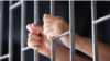 بازداشت دو تن به اتهام قاچاق مواد مخدر به داخل زندانها
