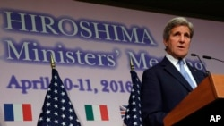 John Kerry no Japão