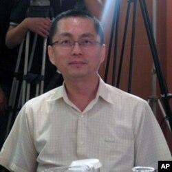 台湾新闻局广电处科长 詹澄清