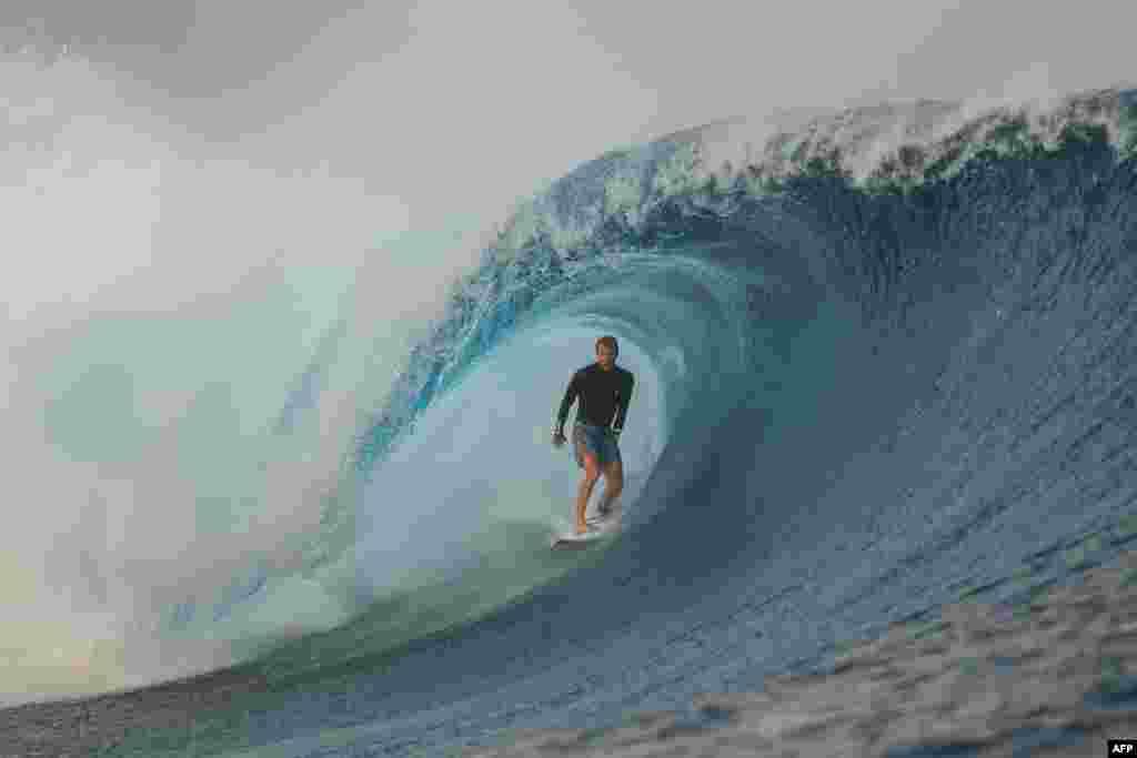 Avustralyalı sörfçü Adrian Buchan Fiji'de Erkekler Sörf Yarışmasında