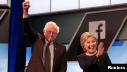 2016年3月9日克林顿和桑德斯在出席辩论会前