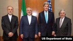 Ngoại trưởng Hoa Kỳ John Kerry, Ngoại trưởng Iran Javad Zarif người đứng đầu ngành hạt nhân của Iran Ali Akbar Salehi và Bộ trưởng Năng lượng Hoa Kỳ Ernest Moniz trước cuộc họp