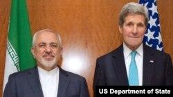 Ngoại trưởng Hoa Kỳ John Kerry và Ngoại trưởng Iran Mohammad Javad Zarif.