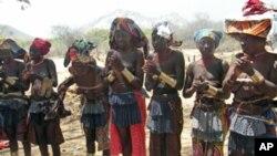 Povo da etnia Mocubal, Namibe, Angola