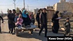 Wasu Falasdinawa a yankin Zirin Gaza
