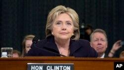 Bivša državna sekretarka i predsednički pretendent Demokratske stranke, Hilari Klinton svedoči pred odborom Predstavničkog doma za Bengazi 22. oktobra 2015.