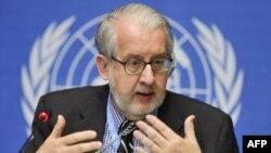 Chủ tịch Ủy ban tìm kiếm sự thật về Syria, Giáo sư Paulo Pinheiro, phát biểu trong 1 cuộc họp báo tại văn phòng Liên Hiệp Quốc ở Geneva, 30/9/2011