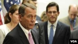 Ketua DPR AS John Boehner (kiri) bersama beberapa pemimpin Partai Republik di Kongres AS.
