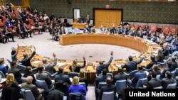 지난 2017년 11월 유엔 안보리가 북한에 대한 추가 제재 내용을 담은 새 대북결의 2397호를 만장일치로 채택했다. 각국 대표들이 손을 들어 찬성 의사를 표시하고 있다.