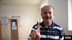 Džalel Ihbrahim od 1991. radi kao posmatrač izbora.