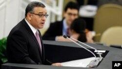 El fiscal aseguró que las empresas de Menéndez registraron beneficios de 14 millones de dólares durante la gestión del expresidente.