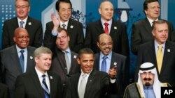 Para pemimpin negara-negara G20 berpose dalam KTT di Toronto, Kanada 27 Juni tahun 2010 (foto; dok).