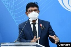 Menkominfo Johnny G. Plate dalam Konferensi Pers di Media Center Kantor Kementerian Kominfo, Jakarta, Senin (27/09/2021). -AYH. (Foto: kominfo.co.id)