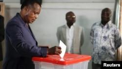Denis Sassou Nguesso lors du scrutin du 25 octobre 2015, Brazzaville.
