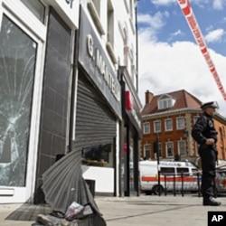 图为8月8日伦敦北区商店被砸资料照