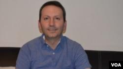 احمد رضا جلالی پزشک زندانی به اعدام متهم شده است.