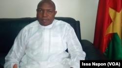 Le ministre burkinabè de l'énergie Alfa Oumar Dissa, au Burkina Faso, le 25 novembre 2017. (VOA/Issa Napon)