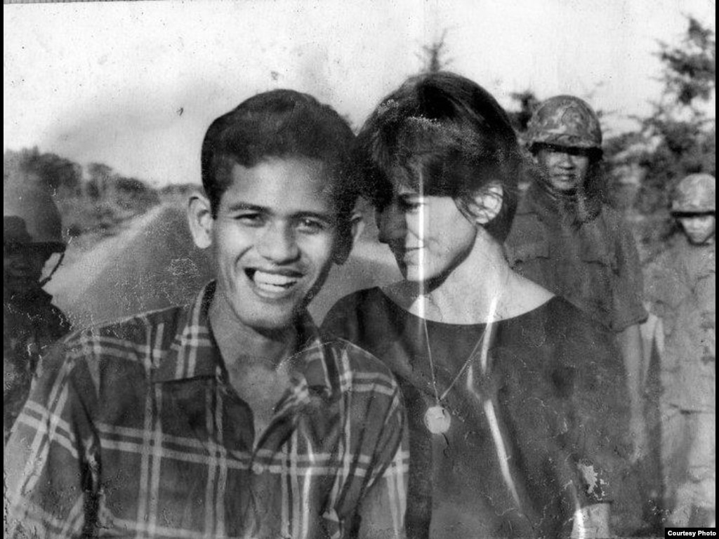 Kate Webb (right) with Chhim Sarath, her drivier who was captured and killed. (Sylvana Foa/Documentation Center of Cambodia)