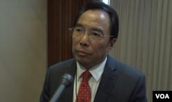 前中国驻联合国大使沈国放接受美国之音采访 (美国之音许宁拍摄)