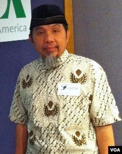 Muslih Abdul Karim, menjadi Ustadz acara Safari Ramadhan komunitas muslim Indonesia di AS atas undangan Ikatan Cendekiawan Muslim Indonesia (ICMI) wilayah Amerika Utara.