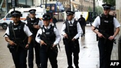 """პოლიციამ """"დაიკავე ლონდონის"""" კარვები დაშალა"""