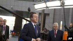 Brüksel'deki Avrupa Birliği Zirvesi'ne gelen ilk liderlerden biri olan İngiltere Başbakanı David Cameron, 2014-2020 bütçesi konusunda en fazla sorun çıkarma potansiyeline sahip isim olarak görülüyor.