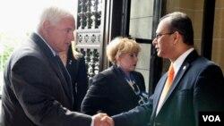 Ricardo Martinelli (izq)., aseguró que la OEA es un Organismo importante pero que necesita de más recursos.