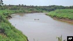 La construction du barrage menace le mode de vie de tribus de la région
