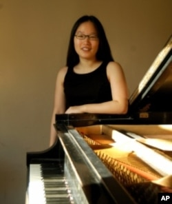 Student Mari Hwang