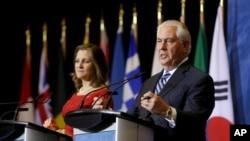 Ngoại trưởng Mỹ Rex Tillerson và Ngoại trưởng Canada Chrystia Freeland phát biểu tại một cuộc họp báoở Vancouver, British Columbia, Canada, ngày 16 tháng 1, 2018.