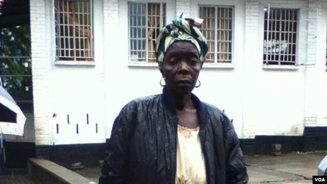 Kamba Mansaray (Nina deVries/VOA)