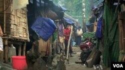 Người Kachin trong trại tạm trú