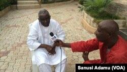 Onarebul Yusuf Captain Baba shugaban kwamitin sake gina arewa maso gabas na shugaban kasa yayinda yake zantawa da Muryar Amurka