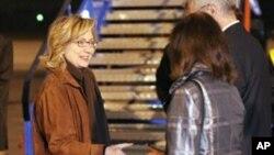 Στα Βαλκάνια η Χίλαρυ Κλίντον