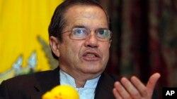 Según el canciller ecuatoriano, Ricardo Patiño, cinco presidentes latinoamericanos están dispuestos a viajar a Cochabamba.