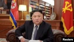 朝鲜领导人金正恩2019年1月1日在平壤发表新年致词(朝鲜中央通讯社发布)