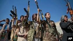 2018年12月13日忠于也门胡塞叛乱分子的成员在也门萨那集会