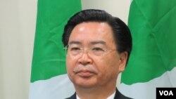 民进党驻美代表 吴钊燮(美国之音 张永泰拍摄)