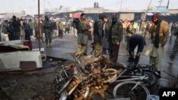 Hiện trường vụ tấn công tự sát ở ngoại ô Peshawar, Pakistan, ngày 19/1/2016.