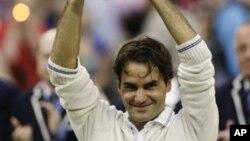 8일 영국 윔블던 테니스 대회 남자단식에서 우승한 스위스의 로저 페더러.
