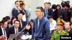 Trịnh Xuân Thanh trong phiên tòa tại Hà Nội. (Ảnh: VNA/Doan Tan via REUTERS)