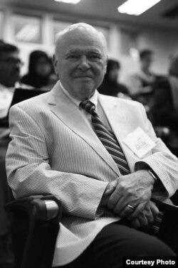 លោកបណ្ឌិត Gregory Stanton ប្រធានអង្គការតាមដានអំពើប្រល័យពូជសាសន៍ (Genocide Watch) និងជាសាស្ត្រាចារ្យស្រាវជ្រាវផ្នែកអំពើប្រល័យពូជសាសន៍នៃសាកលវិទ្យាល័យ George Mason (courtesy photo)