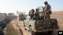 افغان امنیتي چارواکي وایي، چې د هلمند د نادعلي په ولسوالۍ کې یې د طالبانو یو زندان تیره شپه مات کړی دی
