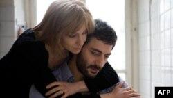 Ксения Раппопорт и Филиппо Тими в фильме «Двойной час»