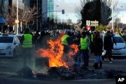 İspaniyada taksi sürücüləri etiraz edir