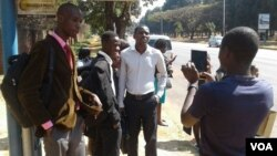 Some of the people who went to the Embassy of South Sudan looking for job opportunities.