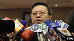 陸委會主委王郁琦3月13日回答有關馬唯中問題(美國之音申華拍攝)