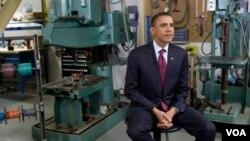 Presiden Obama menyampaikan pidato mingguannya di sebuah perusahaan energi di kota Manitowoc, Wisconsin, Sabtu (29/1).