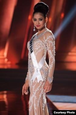 Anin mengenakan gaun karya Leo Almodal di ajang Miss Universe (dok: Miss Universe Organization)